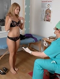 Naked delicious doll for a lusty male doctor