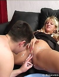 Busty mature lady with hot clean-shaved cunt!