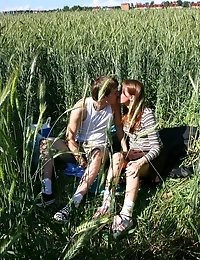 Hot amateur teen sex in the great outdoors