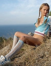 Blonde Sporty Girl Exposes Her Voluptuous Body So Willingly And Without Any Commitments.