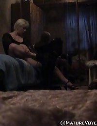 Unsuspecting nude lady caught on bedroom camera