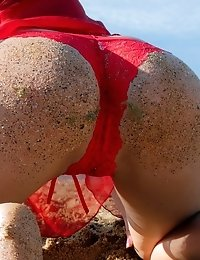 Stunning Teen Babe Has Some Sexy Fun On The Beach As She Gets Her Perfectly Round Booty Dirty With S