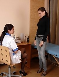 Fem gynie in stockings licking her patient