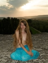 Magnificent Natural Environment And A Shapely Sweetheart, Nothing Else Are Needed For A Good Time. E