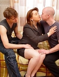 2 guys seduced and fucked gorgeous mature lady