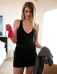 Sensual Blonde Summer Carter Makes Up For Her Argument With A Hot And Heavy Boob Bouncing Ride In He