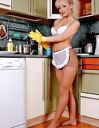 Karolina is the hottest pantyhose cook!