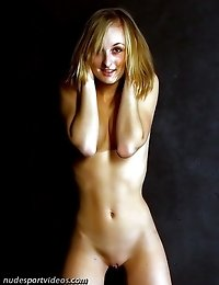 Sexy young puss makes a nude performance