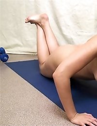 Fitness and yoga exercises excite a sexpot too much