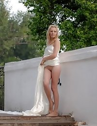 This Wonderful Blonde Teen Went Out Naked To Show Her Incredibly Shapely Form For The Rest Of The Pu