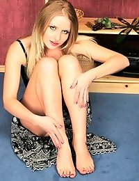 Gorgeous blonde and her foot fetish dreams