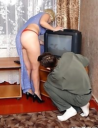 Mature lady was seduced by TV master