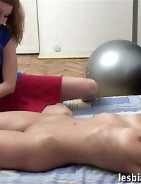 Fitness trainer tempts a busty slut at a nude lesson