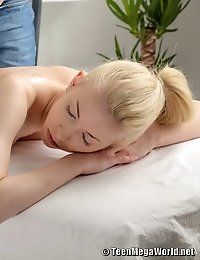 Oiled beauty mouth-fucked and then banged in the massage parlor