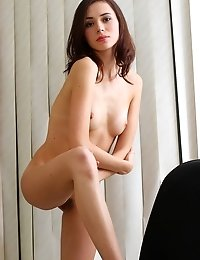 Miraculous Brunette Made Up Her Mind To Stay At Working Place During Dinner Hour And To Caress Her N