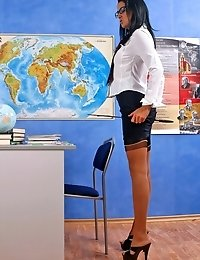 Dissolute teacher strips and brings herself on
