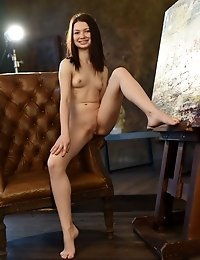 This Lovely Brunette Skips Her Daily Routine To Get That Booty Down On Her Chair And Show You Some Q