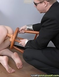 Personnel guy orders a naked girl to cum
