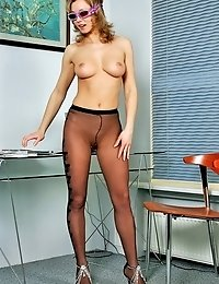 Blonde Cindy in sun glasses showing her fashion pantyhose
