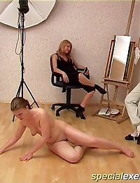 Nude flexible girlie grinding for lesbian audience