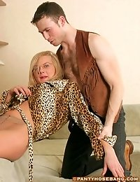 Guy licking lady in pantyhose