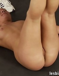 Fitness trainer exercises her bitch in a sex way