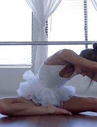 Lusty Ballerina Shyla Ryder Gets Caught Masturbating So She Gives Her Guy A Bj And A Pussy Pleasing